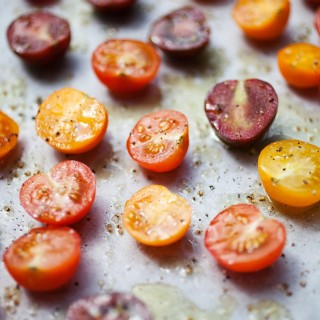 Freezer preserving oven-roasted cherry tomatoes