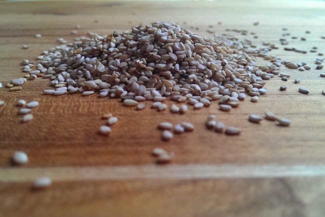 brown sesame seeds - tahini