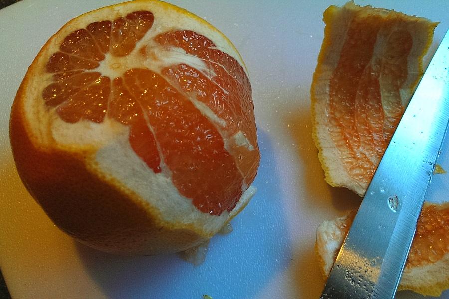 Supreming grapefruit